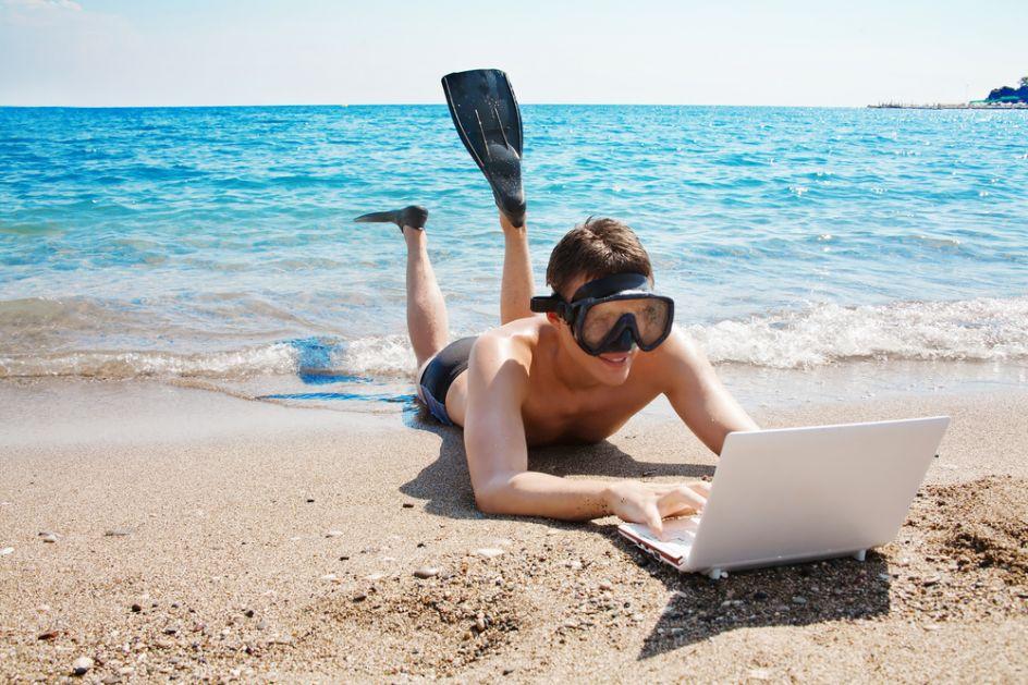 Работа на черном море для девушек работа моделей в рекламных агентствах